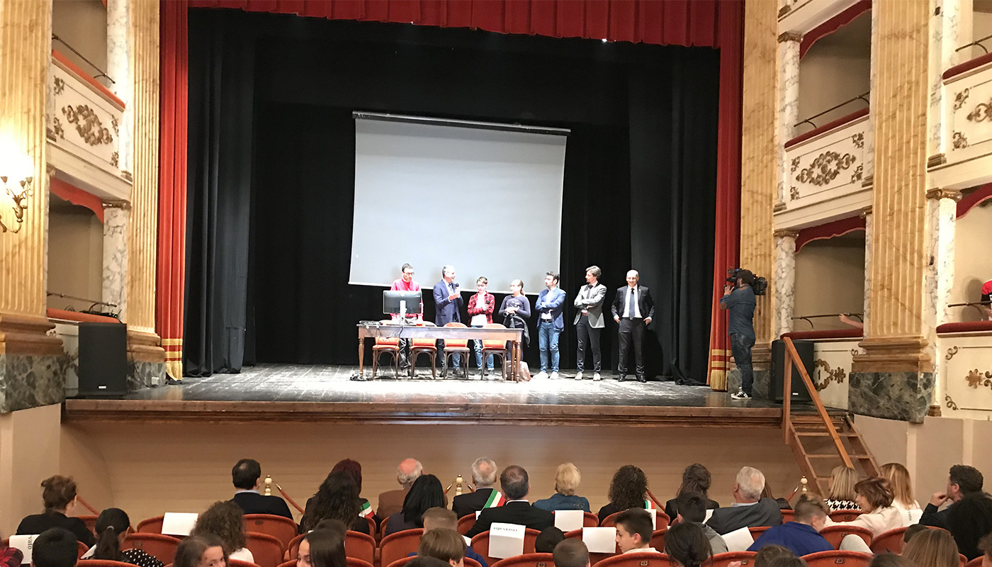 Italgas: over 800 computers delivered in the Marche region to schools affected by the earthquake